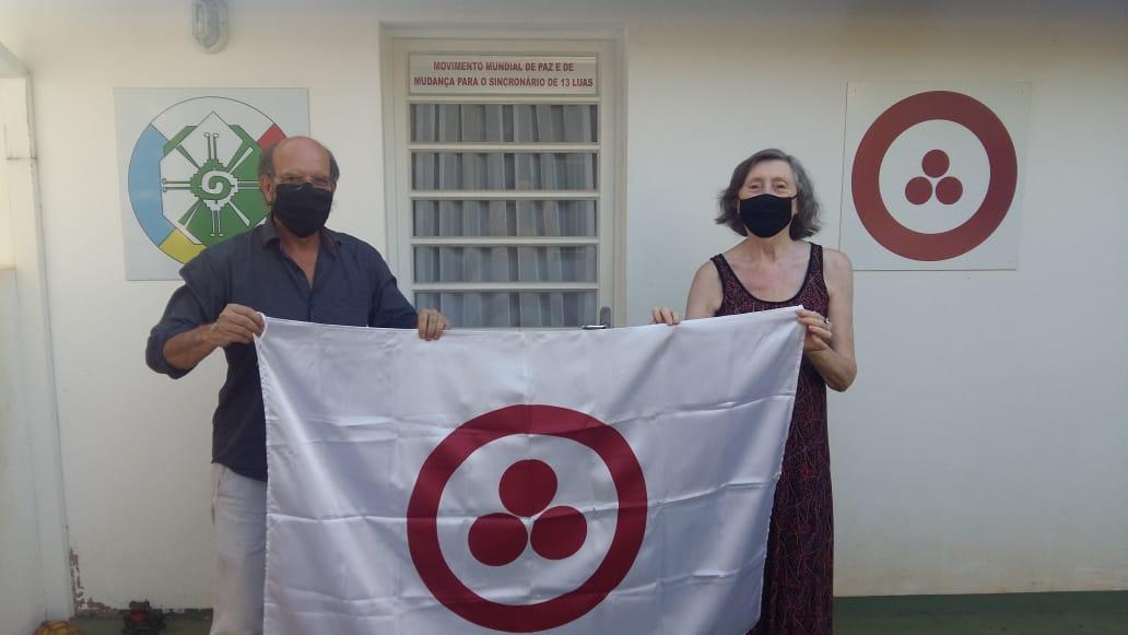 Prof. Lino e Sra. Ilse Dudeck do Movimento Mundial da Paz e Sincronário de 13 Luas.